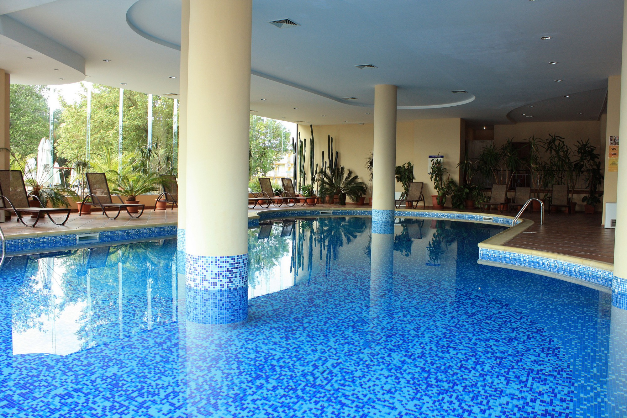 indoor-pool81